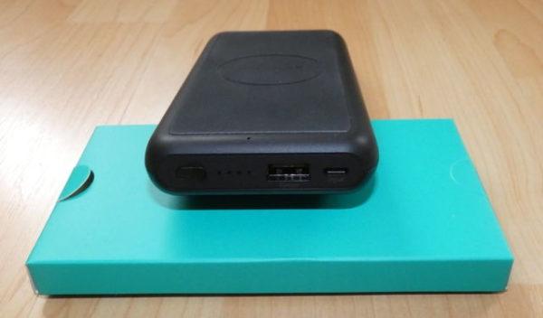 Wireless Powerbank RAVPower 10000mAh RP-PB081 Anschlüsse und LED-Anzeigen